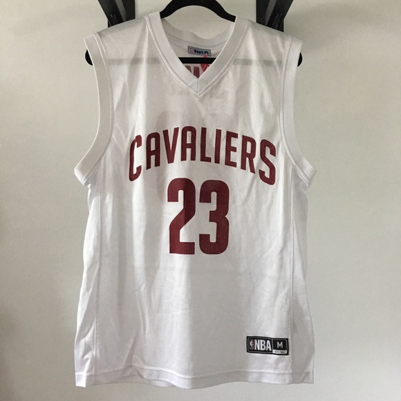 info for 09a66 512bc NWT Lebron James Cavaliers Jersey Size Medium NWT